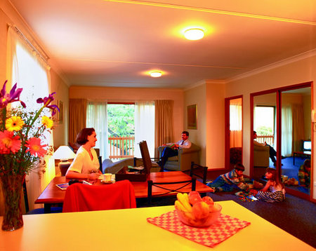Oxley Court Serviced Apartments - WA Accommodation