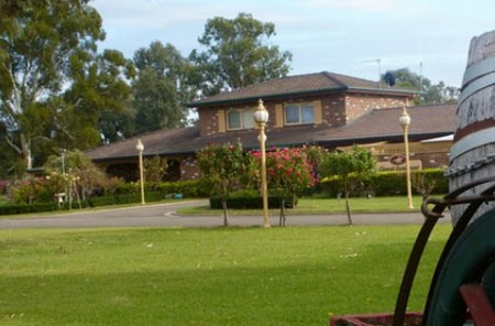 Carriage House Motor Inn - WA Accommodation