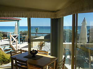 The Macs Beachfront Villas - WA Accommodation