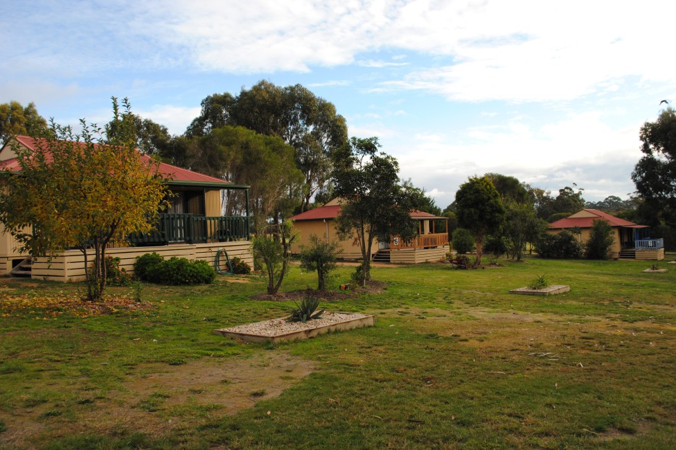 Lakes Entrance Country Cottages - WA Accommodation