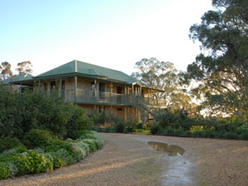 Lindsay House - WA Accommodation