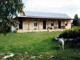 Mt Dutton Bay Woolshed Heritage Cottage - WA Accommodation