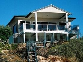 Top Deck Cliff House - WA Accommodation