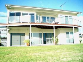 Swanport Views Holiday Home - WA Accommodation