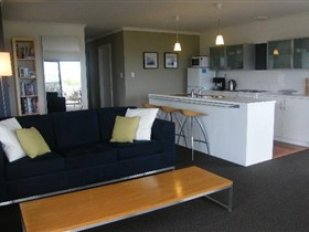Coorong Waterfront Retreat - WA Accommodation