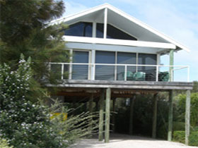 Sheoak Holiday Home - WA Accommodation