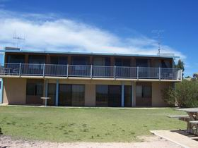 Moonta Bay Beach Villas - WA Accommodation