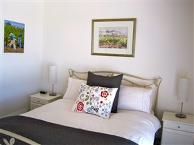 ArtWine Cottages - WA Accommodation