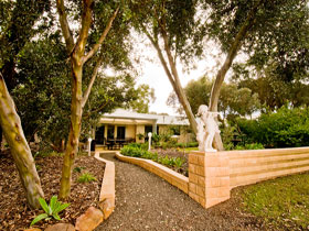Correa Corner Bed  Breakfast - WA Accommodation