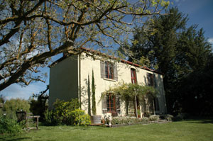 Adelaide Hills Country Cottages - Apple Tree Cottage - WA Accommodation