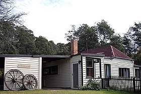Glenbrook House and Cottage - WA Accommodation