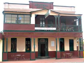 Central Hotel Zeehan - WA Accommodation