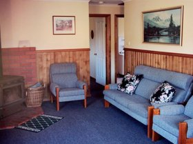 Lake Yalleena Holiday Cabins - WA Accommodation