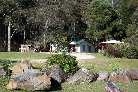 Mountainside Nature Retreat - WA Accommodation