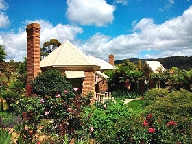 Moving Image Boutique Guest House - WA Accommodation