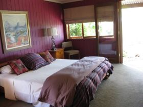 French Cottage and Loft - WA Accommodation