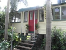 The Red Ginger Bungalow - WA Accommodation