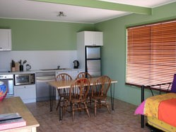 Fossickers Cottages - WA Accommodation