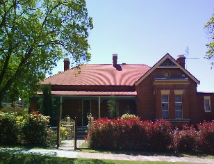 Tumut Accommodation Sefton House - WA Accommodation