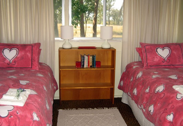 Flag Springs Bush Retreat - WA Accommodation
