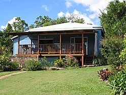 Blue House Family Accommodation - WA Accommodation