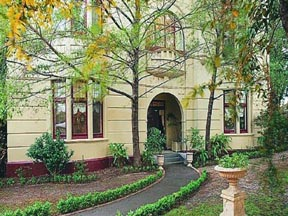 Quality Toorak Manor - WA Accommodation