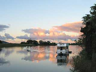 Tweed River Houseboats - WA Accommodation