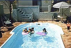 Del Costa Holiday Villas - WA Accommodation