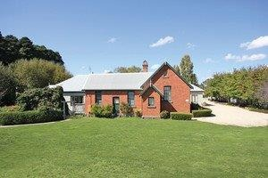 Woodend Old School House Bed and Breakfast - WA Accommodation