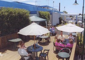 Top Of The Town Hotel - WA Accommodation