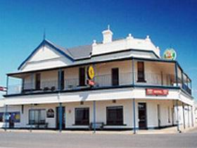 Seabreeze Hotel - WA Accommodation