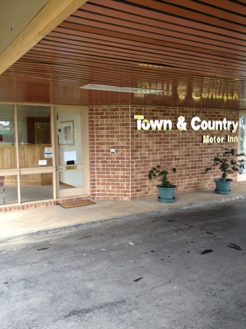 Town amp Country Motor Inn Forbes - WA Accommodation