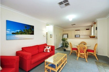 Beaches Serviced Apartments - WA Accommodation
