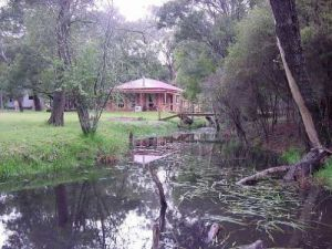 Kangaroo Gully Cottage - WA Accommodation