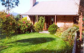 Canowindra Cottage - WA Accommodation