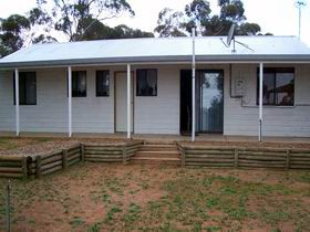 Lot 322 Holiday House - WA Accommodation