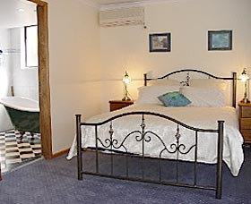 Lavender House By The Sea - WA Accommodation