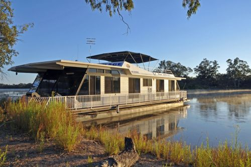 Houseboat Heaven - WA Accommodation