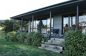 Orani Vineyard Cottage - WA Accommodation