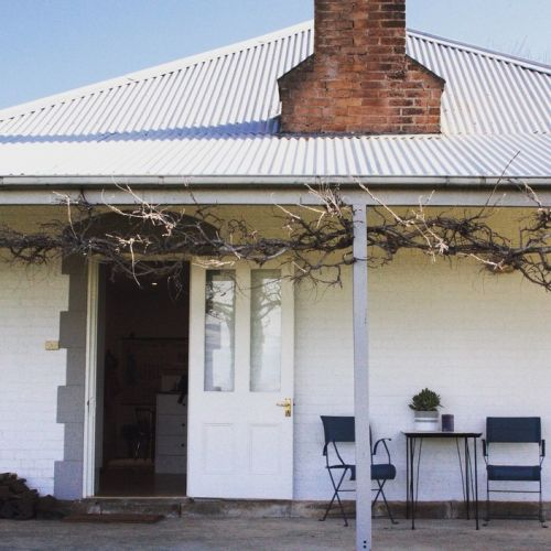 Old Schoolhouse Milton - WA Accommodation