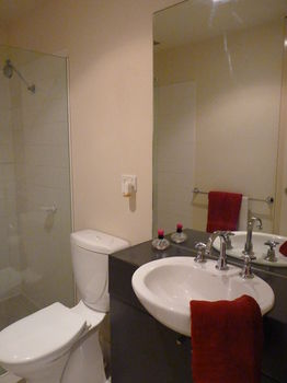 Australian Home Away  Market Square Melbourne - WA Accommodation