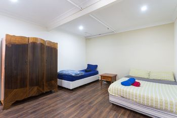 The Village Glebe - Hostel - WA Accommodation