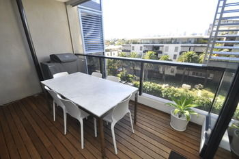 Camperdown 608 St Furnished Apartment - WA Accommodation