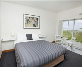 Hotel Bruny - WA Accommodation