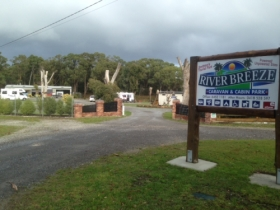 Riverbreeze Caravan  Cabin Park - WA Accommodation