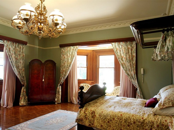 Beaumont House and Lodge - WA Accommodation