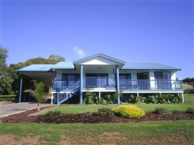 Birubi House - WA Accommodation