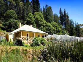 Bishops Adelaide Hills - Willow Cottage - WA Accommodation