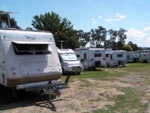 Canberra Carotel Motel  Caravan Park - WA Accommodation