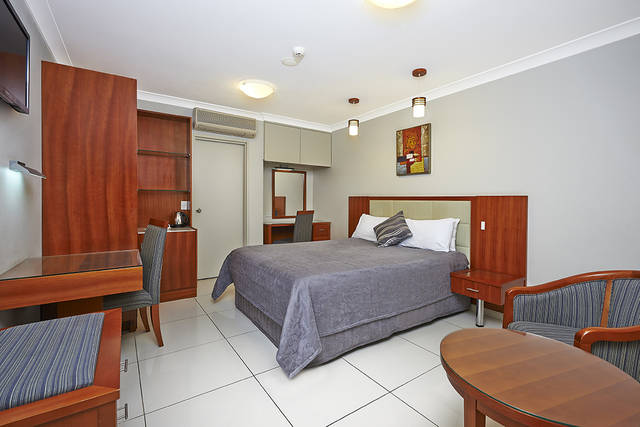 Comfort Inn and Suites Burwood - WA Accommodation